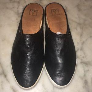 Frye Leather Mule Flats Size 9 M EUC
